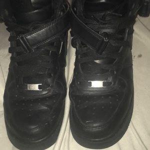 Black nike Air Force ones